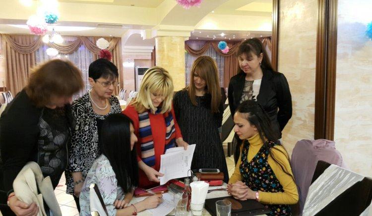 В Навечерието на 8-ми март, жените - социалистки от Кърджали стартираха подписка за спиране на сделката с ЧЕЗ
